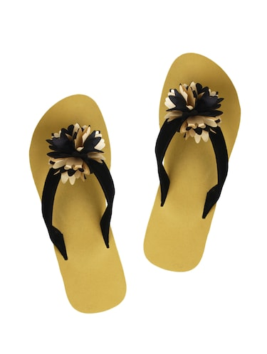 07b7397f0a734 Womens Flip Flops - Upto 60% Off