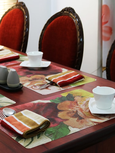 Limeroad & Dining table mats - Buy Dining table mats Online at Best Prices in ...