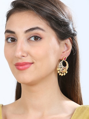 gold metal chandballi earring - 15364150 - Standard Image - 2