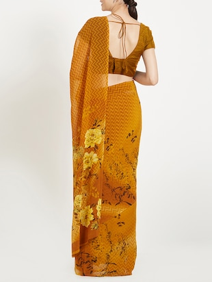 Floral Pallu Printed saree with blouse - 15409971 - Standard Image - 2