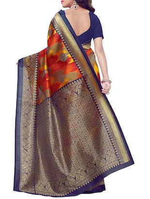 Contrast bordered printed saree with blouse - 15410882 - Standard Image - 2