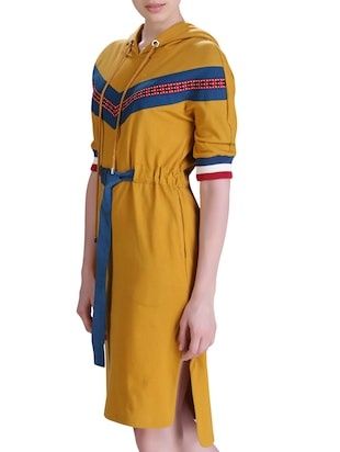 hooded belted dress - 15417258 - Standard Image - 2