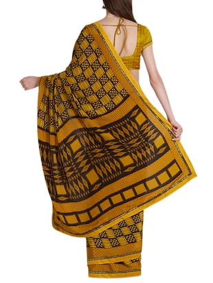Geometrical printed saree with blouse - 15419472 - Standard Image - 2