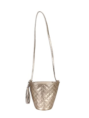 metallic leatherette (pu) regular sling bag - 15421022 - Standard Image - 5
