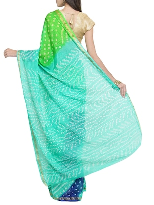 contrast shades bandhani saree with blouse - 15427181 - Standard Image - 2