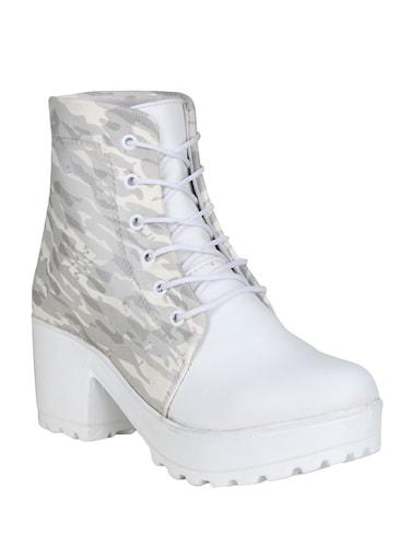 0de722b522a6 Boots for Women - Upto 65% Off