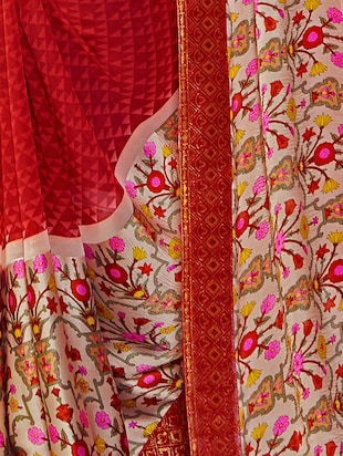 floral printed border geometrical saree with blouse - 15474960 - Standard Image - 2