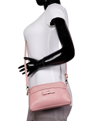 pink leatherette (pu) regular sling bag - 15491138 - Standard Image - 5
