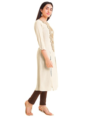 Embroidered double slit straight kurta - 15494770 - Standard Image - 2