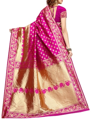 printed kanjivaram saree with blouse - 15496495 - Standard Image - 2