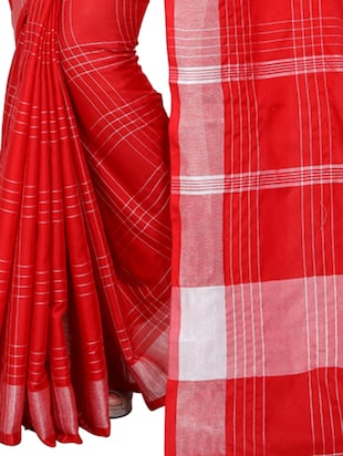 checkered woven red saree with blouse - 15498128 - Standard Image - 2