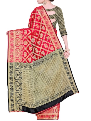 Zari Conversational Kanjivaram saree with blouse - 15498603 - Standard Image - 2