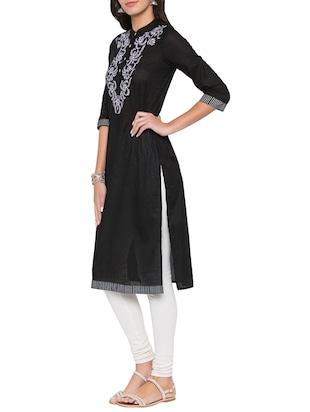 Straight embroidered kurta - 15504938 - Standard Image - 2