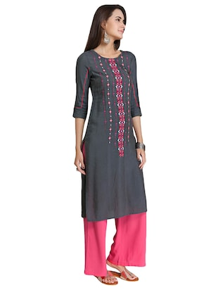 Straight embroidered kurta - 15621824 - Standard Image - 2