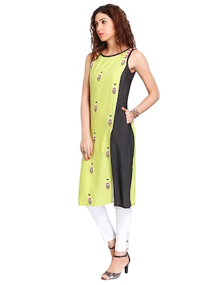 Straight embroidered kurta - 15621832 - Standard Image - 2