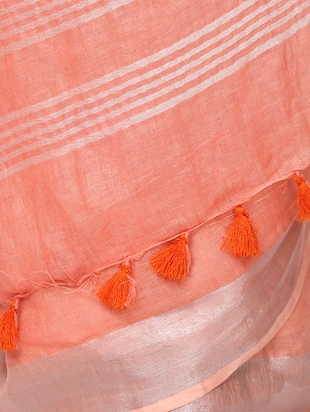 contrast border linen handloom saree with blouse - 15728560 - Standard Image - 5
