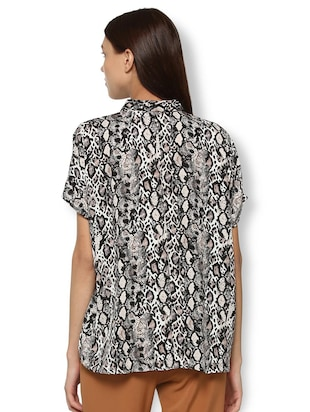 animal print asymmetric shirt - 15735399 - Standard Image - 2