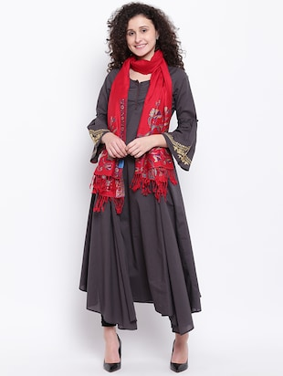 Self-design wool shawl with fringes - 15747975 - Standard Image - 2