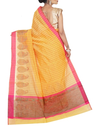 contrast border checkered woven saree with blouse - 15785311 - Standard Image - 2