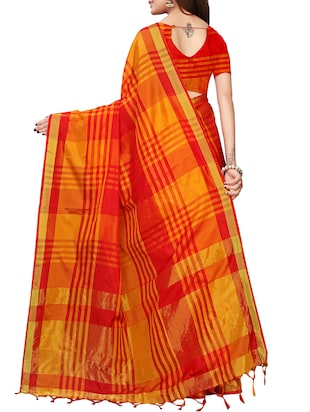 checkered woven saree with blouse - 15958932 - Standard Image - 2