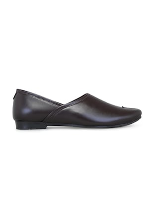 brown leatherette slip on jutis - 16174307 - Standard Image - 2