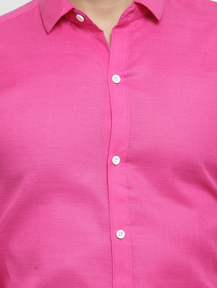 pink solid casual shirt - 16244032 - Standard Image - 5