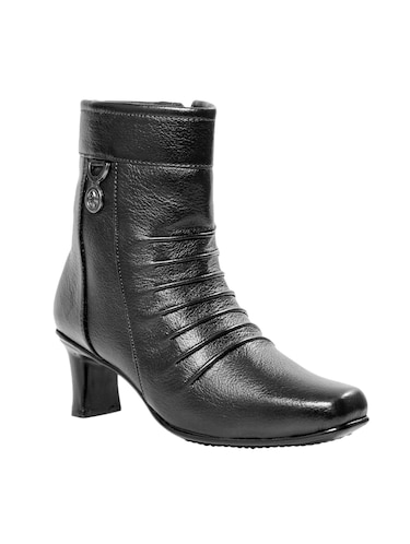5b1d5c4f21 Boots for Women | Buy Chelsea, Chukka & Ankle Boots at Limeroad