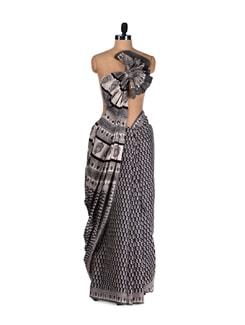 Ambi Print Cotton Saree - Nanni Creations