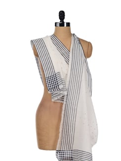Classic Weaves- White Scarf - Story Of Weaves