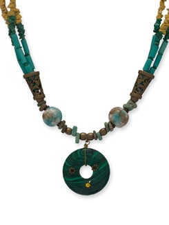Trendsetting Green-Yellow Necklace - Ivory Tag