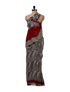 Black & White Wave Printed Saree - Saboo