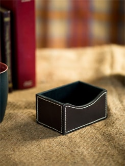 Leather Card Holder With Contrast Stitching - Lthr