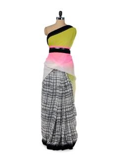 Checked Saree With Contrast Pallu - ROOP KASHISH