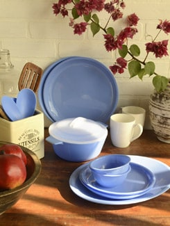 Blue Dinner Set Of 50 Pieces - TRUST And GUESS