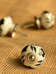 Floral Ceramic Knobs- Set Of 6 - Casa Decor