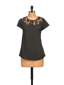 Black Lace Top - Tapyti