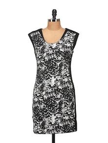 Elegant Black & White Printed Dress - Harpa