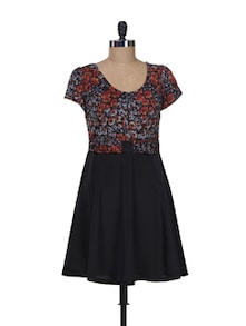 Printed Floral Dress With Flared Black Skirt - Kaxiaa