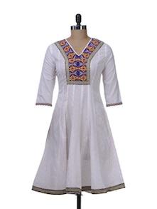 White Flared Kurta With Embroidered Yoke - Paislei