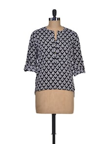 Black And White Polyester Top - Silk Weavers