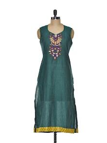 Deep Green Cotton Kurta With Elegant Embroidery - Varan