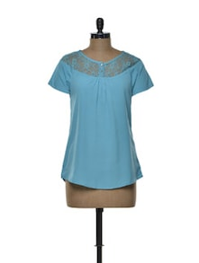 Turquoise Top With Buttoned Lace Yoke - Tapyti