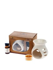 Ceramic Aroma Lamp With 10 Ml Oil Bottle And One Tea Light. - Fragrance World India