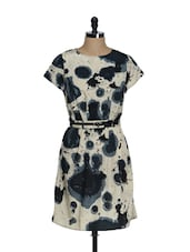 Ink Stain Printed Dress With Black Belt - La Zoire