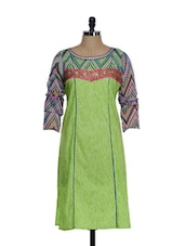 Green Cotton Printed Kurta With Zari Embroidery In The Front - STRI