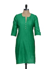 Green Tuck Effect Cotton Kurta With Synthetic Pearls On The Placket - STRI