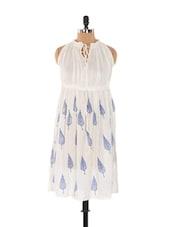 Off-white And Blue Leaf Print Crushed Dress - Xniva