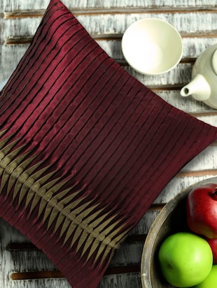 Contemporary Style Reverse Pleating Technique, Maroon and Gold Cushion Cover