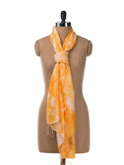 Tie & Dye Pashmina Stole In Yellow - URBAN PARI