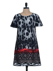 Black And White Printed Tunic - Mind The Gap